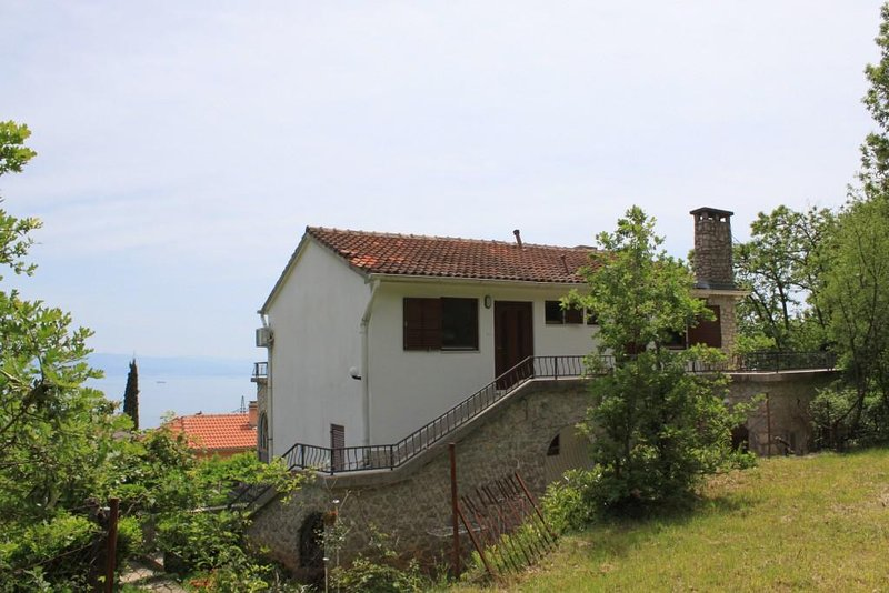 Opric Apartment Sleeps 4 with Air Con - 5467578, holiday rental in Poljane