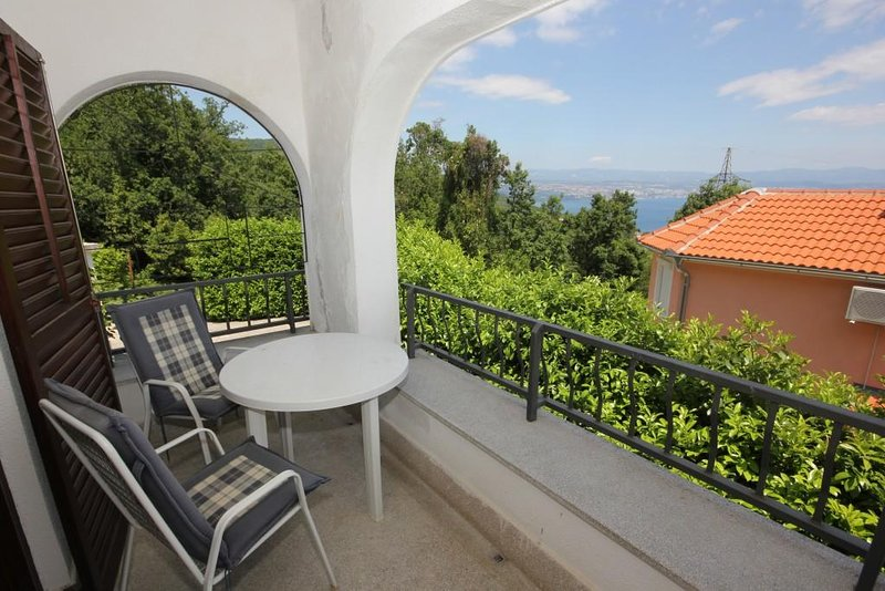 Opric Apartment Sleeps 4 with Air Con - 5467575, holiday rental in Poljane