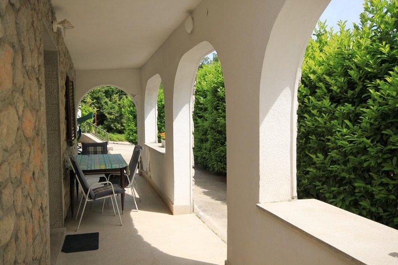 Opric Apartment Sleeps 5 with Air Con - 5467576, holiday rental in Poljane