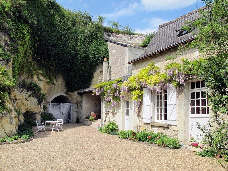 Le Coteau Fleury (LYE100), holiday rental in Ballan Mire