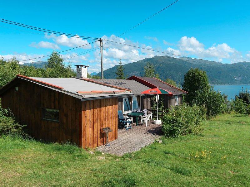 Skåsheim (FJS023), vacation rental in Sogndal Municipality