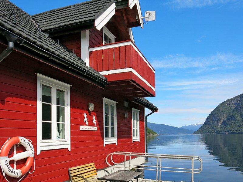 Fagerdalsnipi (FJS609), holiday rental in Nese