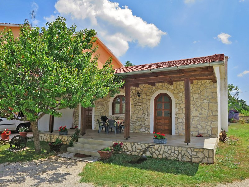 Cekić (ROJ506), holiday rental in Golas