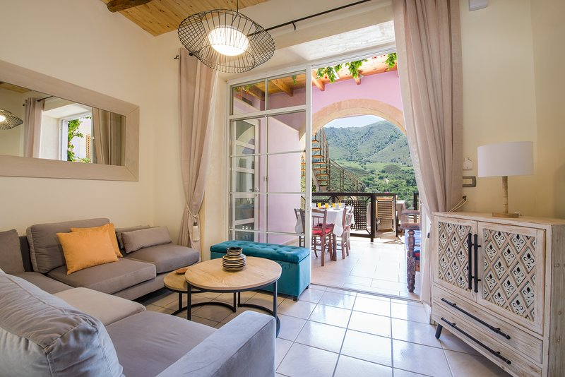 Villa Iasonas Rustique, holiday rental in Kastellos