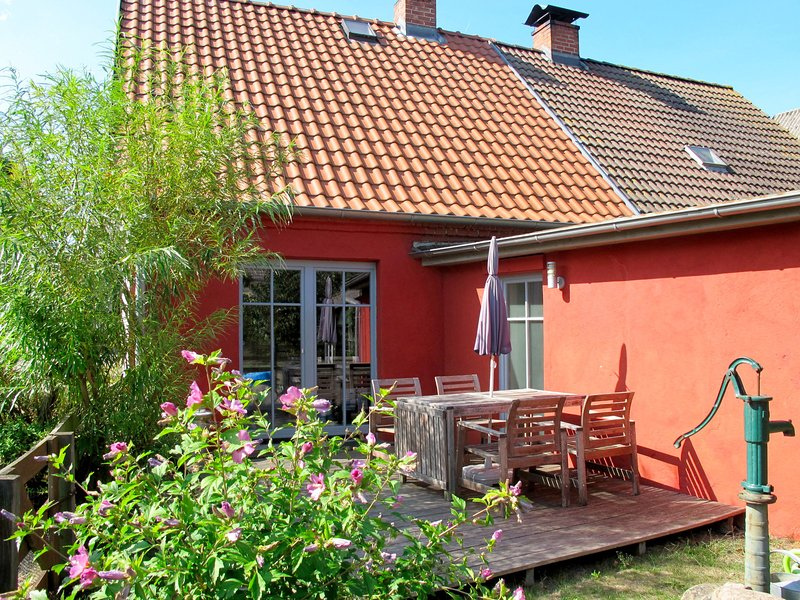 Kapitänshaus Leo (LPH100), holiday rental in Usedom