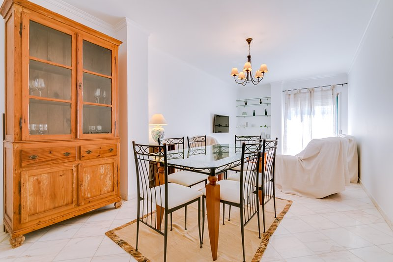 Mango Apartment -  Faro city center, Ferienwohnung in Montenegro