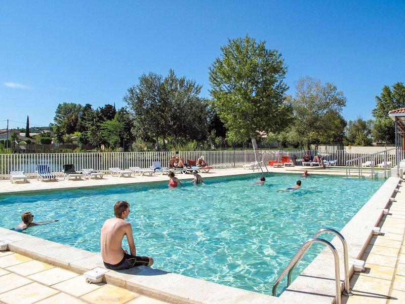 Sun Hols les Rives du Lac (SST150), holiday rental in Saint Saturnin les Avignon