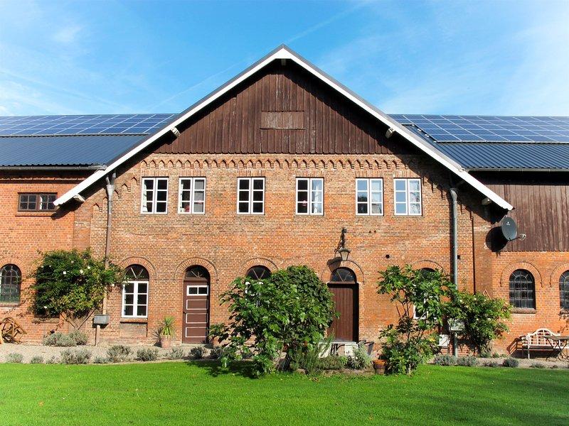 Gut Hörne (WGT200), vacation rental in Neuendorf-Sachsenbande