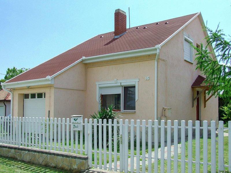 Boros (FOD128), vacation rental in Balatonfenyves