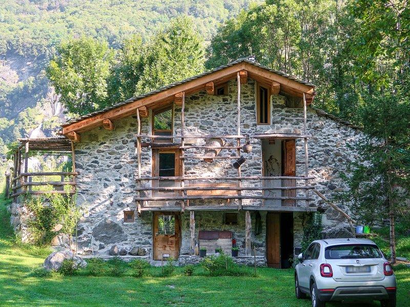 Stua di Sfruz (VBL301), vacation rental in Borgonuovo