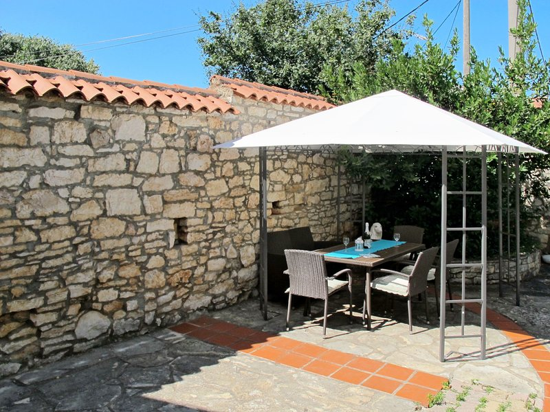 Gortan (KST103), holiday rental in Kastelir