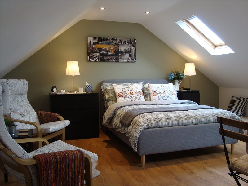 THE COTTON LOFT, cosy Peak District studio apartment, perfect to relax/refresh., holiday rental in Millers Dale