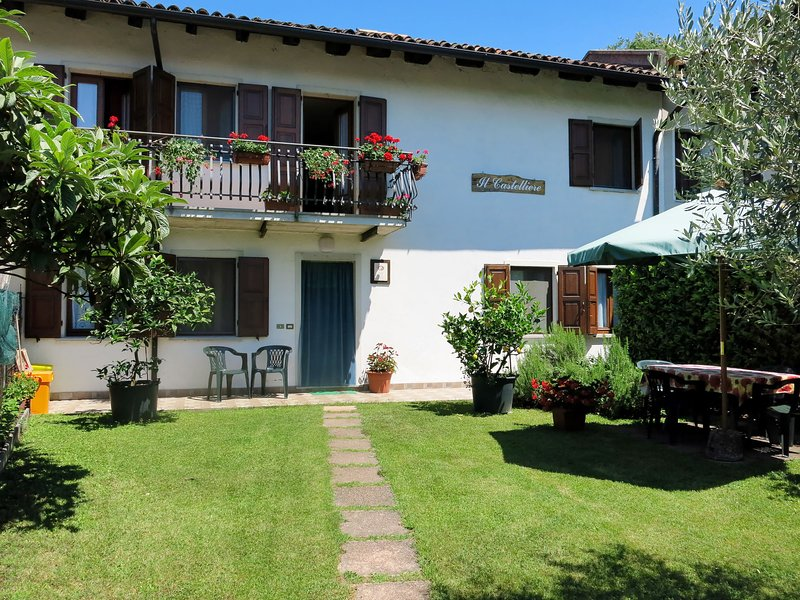 Il Castelliere (RVA100), vacation rental in Clauzetto