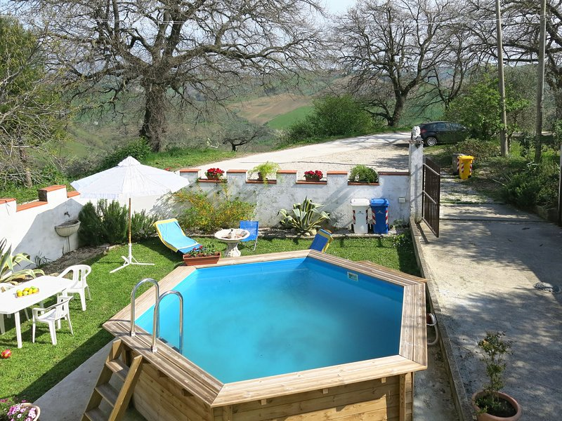 Le Querce (PIT550), casa vacanza a Arsita