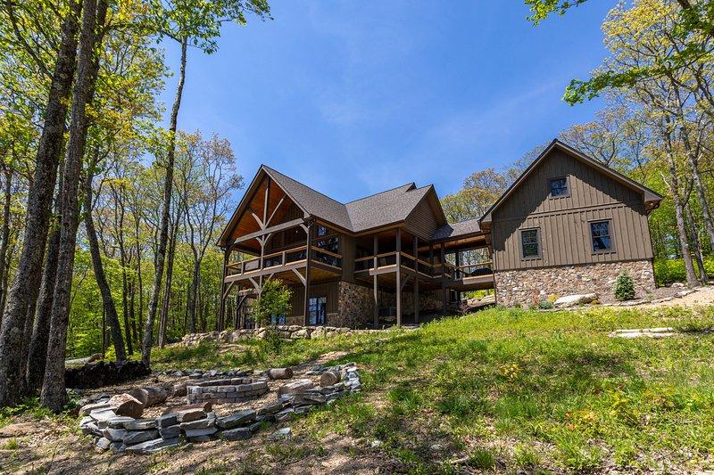 Papa Bear Lodge at Eagles Nest, holiday rental in Banner Elk