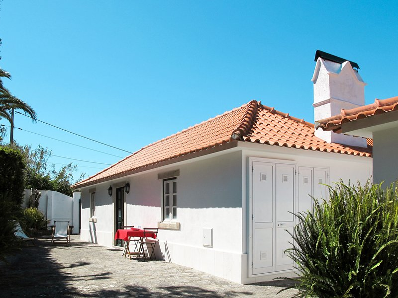 Amoreira (CLE201), holiday rental in Azoia