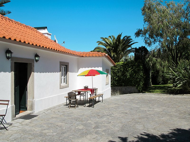 Holiday house (CLE200), holiday rental in Azoia