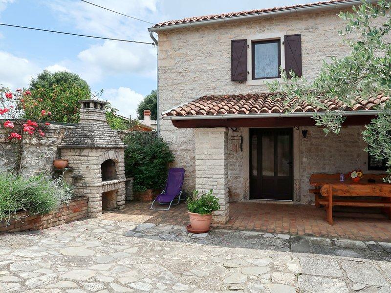 Lara (LBN362), holiday rental in Grabri