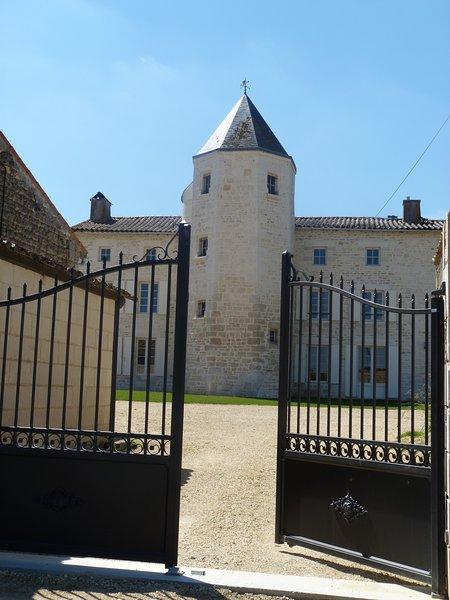 Logis de Pierre Levée - Chambres d'Hôtes de charme – semesterbostad i Coulon