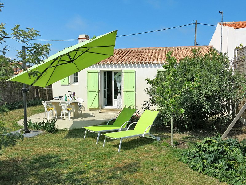 Ptitmissher (IDN141), vacation rental in Barbatre