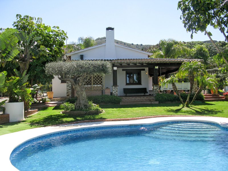 Monteverde (AMU557), vacation rental in Torrenueva