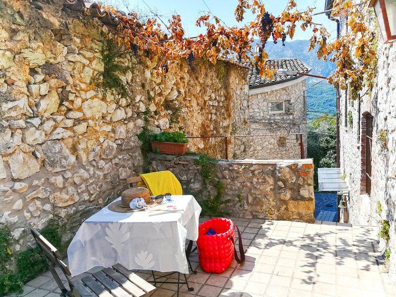 Milleunapietra (CNP102), holiday rental in Castelnuovo Parano
