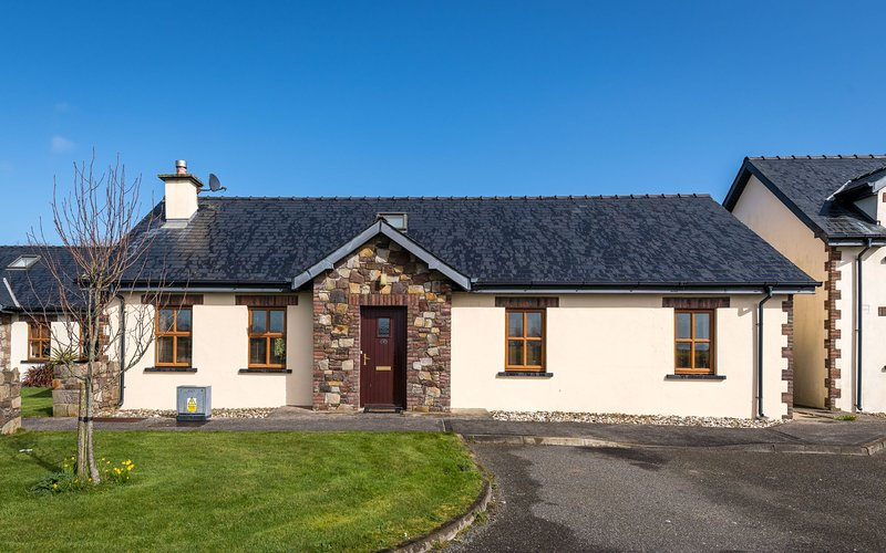 Rectory Mews, Duncormick, Co. Wexford - 3 Bedroom sleeps 6 - Rectory Mews Holida, vacation rental in Bannow