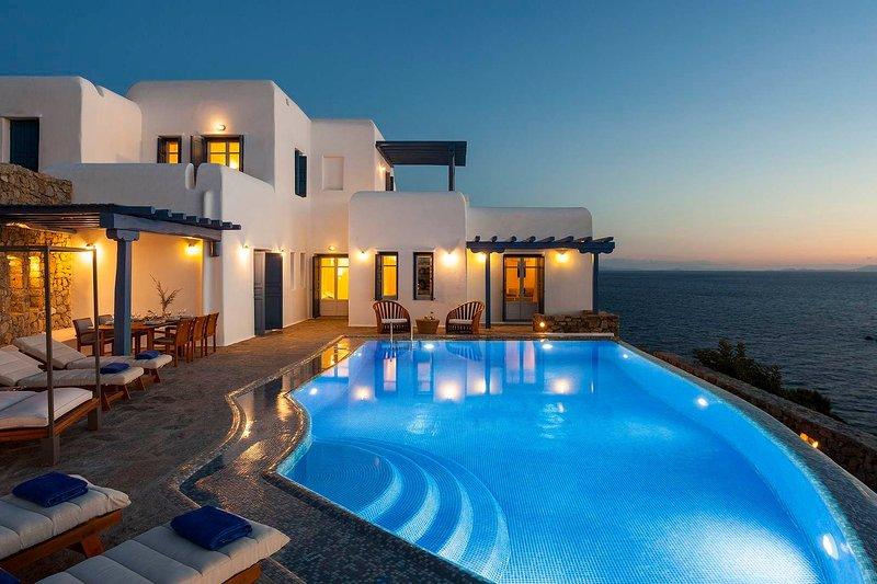 Mykonos Villa Sleeps 10 with Pool and Air Con - 5749308, holiday rental in Agios Sostis