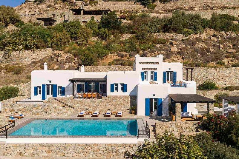Mykonos Villa Sleeps 10 with Pool and Air Con - 5749310, holiday rental in Agios Sostis