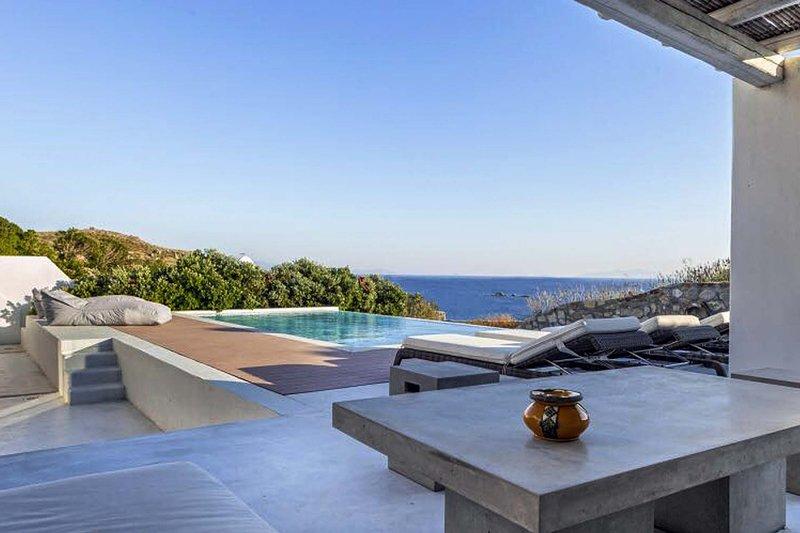 Mykonos Villa Sleeps 8 with Pool and Air Con - 5778266, holiday rental in Agios Sostis
