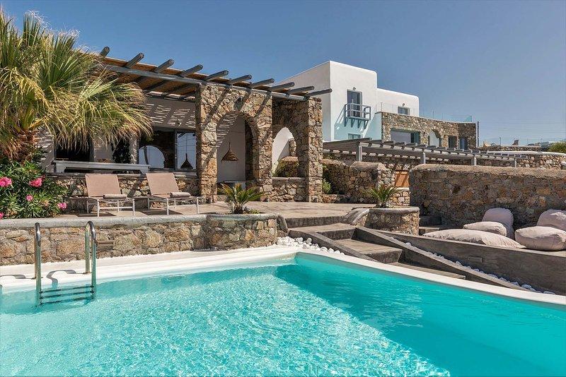 Mykonos Villa Sleeps 6 with Pool and Air Con - 5787157, holiday rental in Agios Sostis