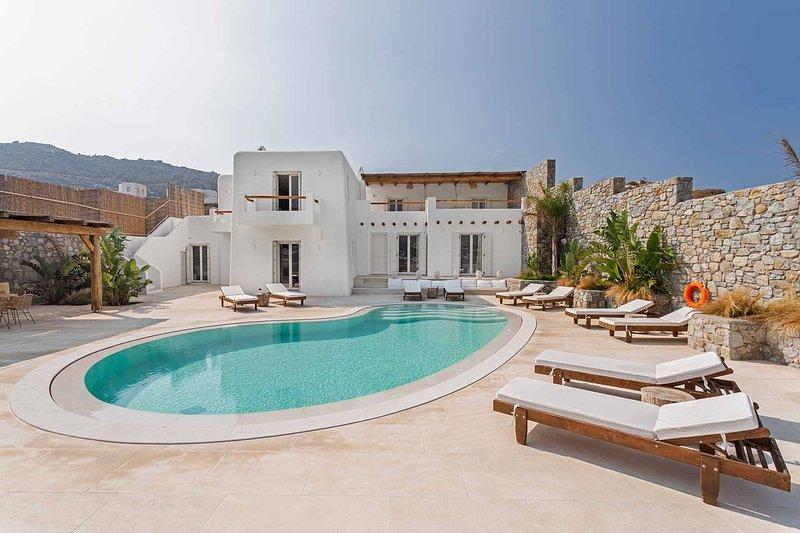 Mykonos Villa Sleeps 14 with Pool and Air Con - 5791166, holiday rental in Agios Sostis