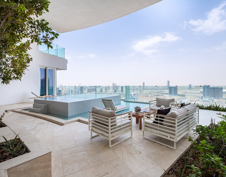 Terrace W/ Majestic Views of Dubai
