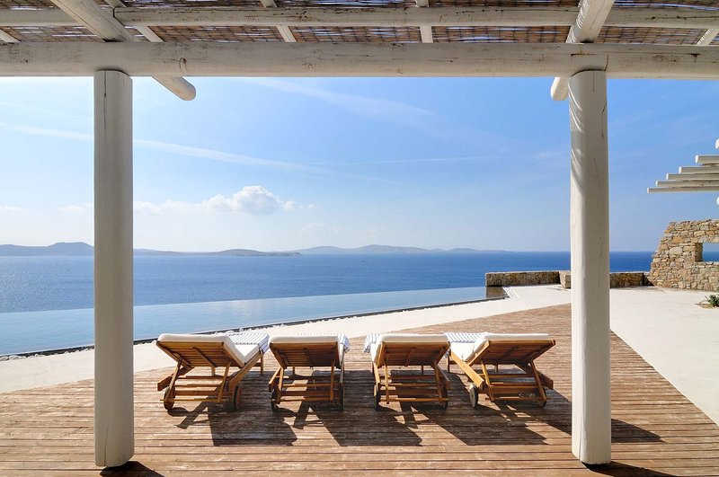 Mykonos Villa Sleeps 16 with Pool and Air Con - 5812573, holiday rental in Agios Sostis