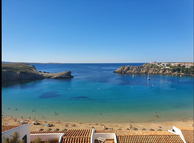 Apartamento Costa Arenal,19 Arenal d´ en Castell Menorca, holiday rental in Fornells