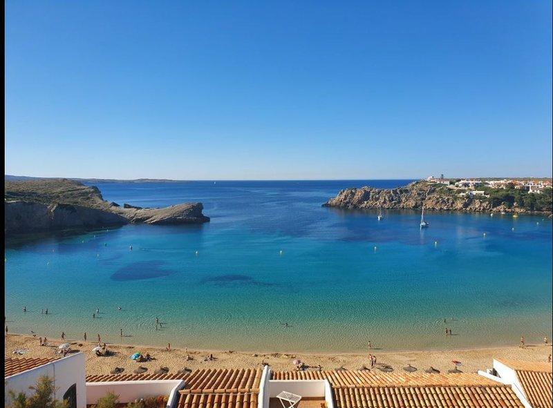 Apartamento Costa Arenal,19 Arenal d´ en Castell Menorca, holiday rental in Cala d'Alcaufar