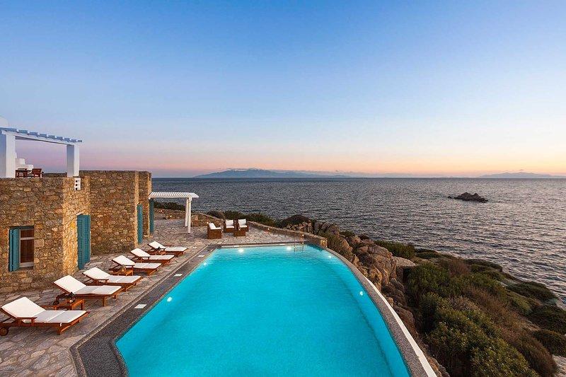 Mykonos Villa Sleeps 43 with Pool and Air Con - 5825448, holiday rental in Agios Sostis