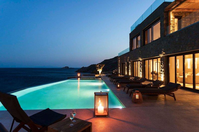 Mykonos Villa Sleeps 12 with Pool and Air Con - 5834643, holiday rental in Agios Sostis