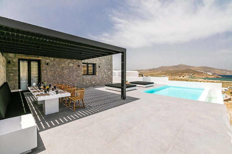 Mykonos Villa Sleeps 8 with Pool and Air Con - 5839953, holiday rental in Agios Sostis