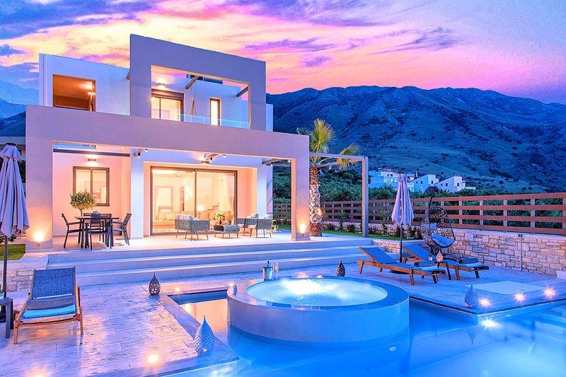 Minoas Villas Private Heated Pool 8 guests, aluguéis de temporada em Georgioupolis
