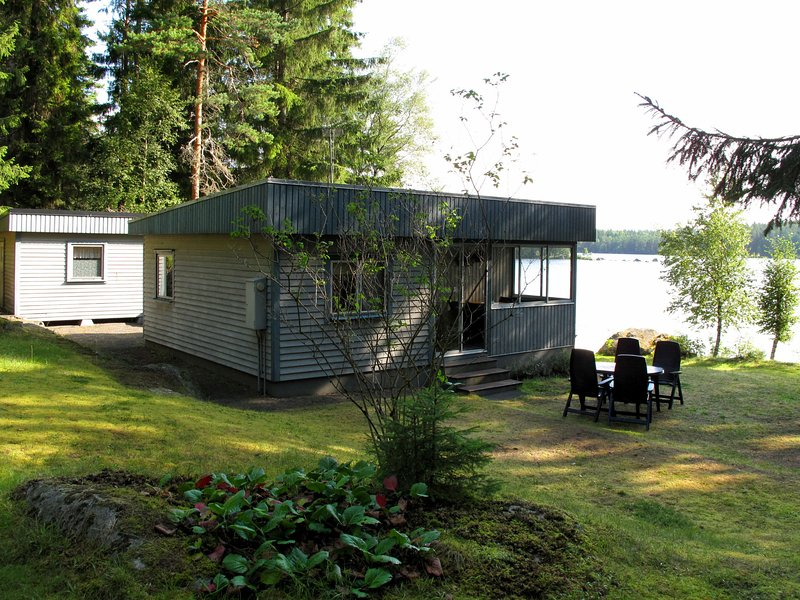 Sjöatorp Skogsstugan (SND125), vacation rental in Tvetaryd