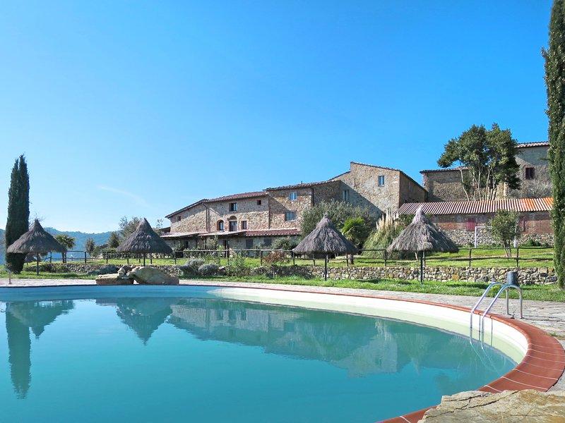 Il Santo (PRI142), vacation rental in Casale di Pari