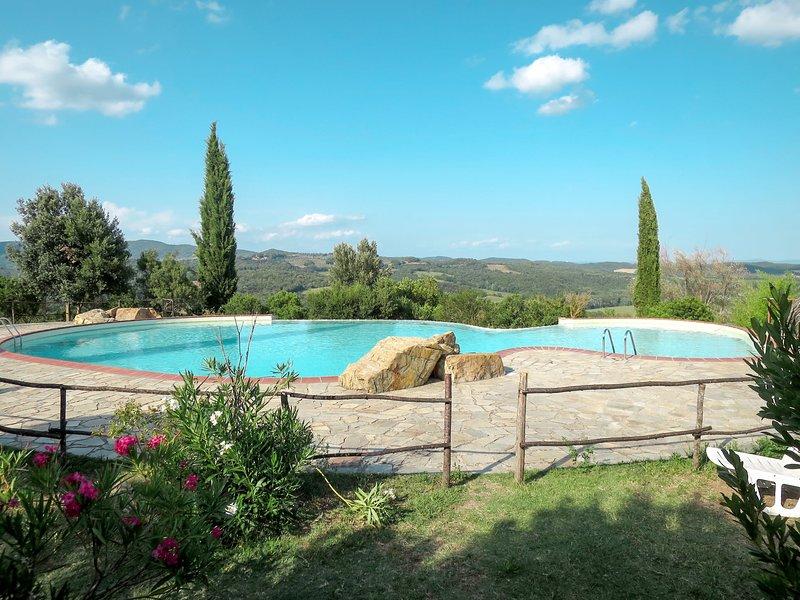 Il Santo (PRI143), vacation rental in Casale di Pari