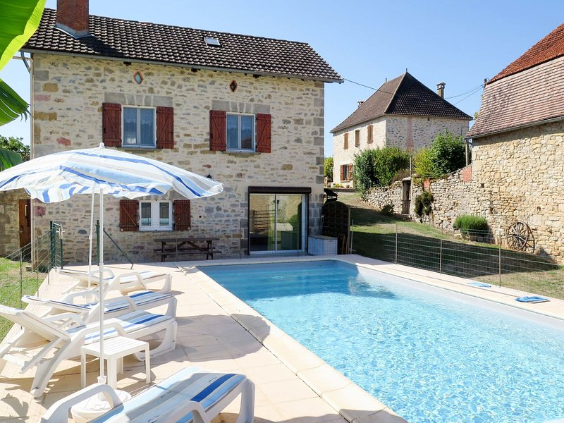 Sarrouil (LBS100), holiday rental in Rignac
