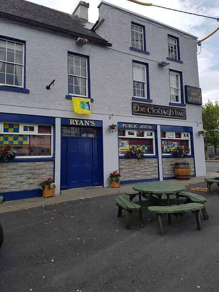 Clodagh Bar - House -sleeps 20, location de vacances à Thurles