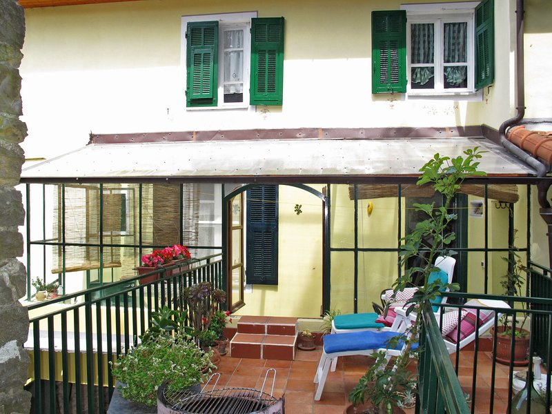 Casa del Rio Maggio (TOA120), vacation rental in Agaggio Inferiore