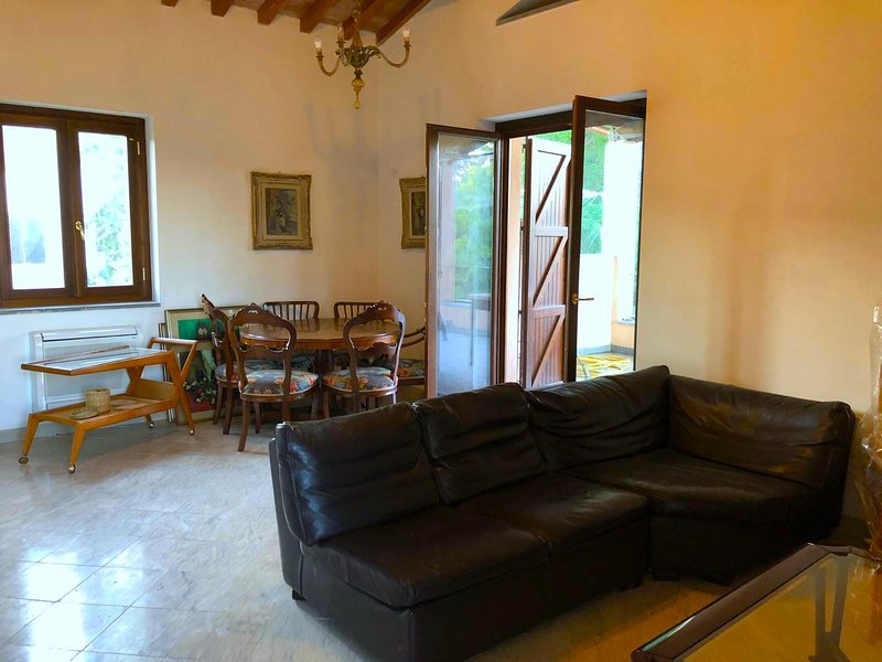 Capalbio-Retreat App.B: charming apartment x 4 near sea, Ferienwohnung in La Campigliola