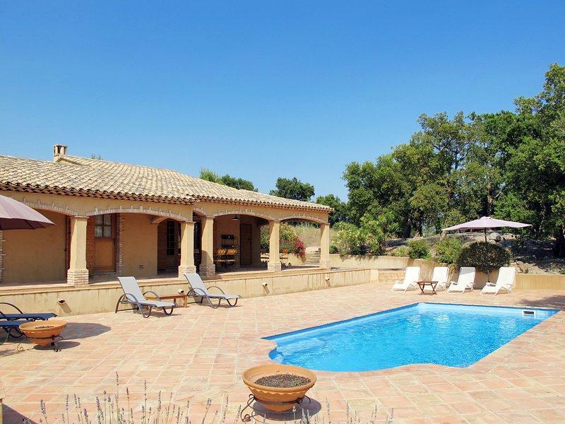 Le Jas Roux (PLT250), vacation rental in Plan de la Tour