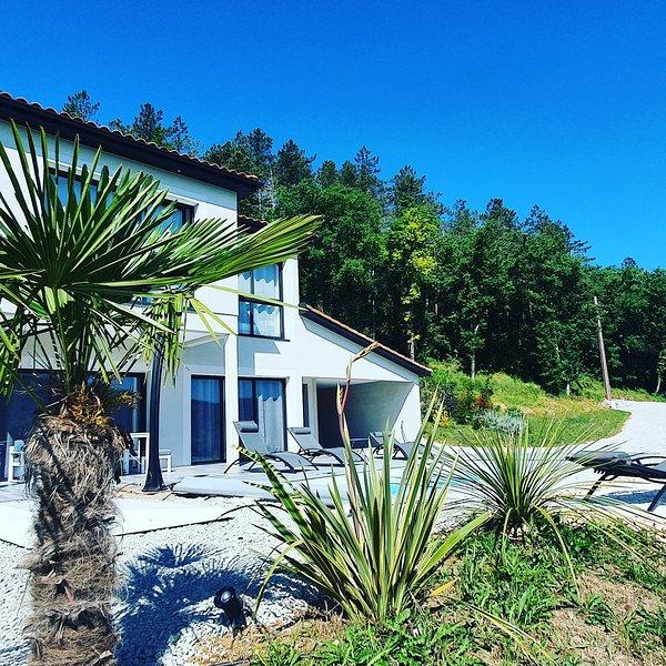 Veyrières Bas - Découvrez le Lot et la Dordogne !, location de vacances à Dégagnac