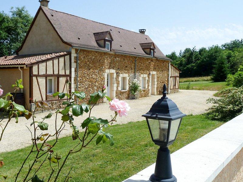 Les Cyprès et les Amandiers (JDC102), holiday rental in Saint-Jean d'Eyraud